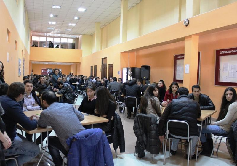 """""""აღმოსავლეთ ევროპის უნივერსიტეტში""""ინტელექტუალური ტურნირი გაიმართა"""