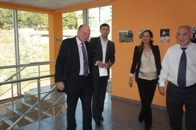 ლონდონის ბიზნესისა და ფინანსების სკოლის დელეგაციის სტუმრობა აღმოსავლეთ ევროპის სასწავლო უნივერსიტეტში