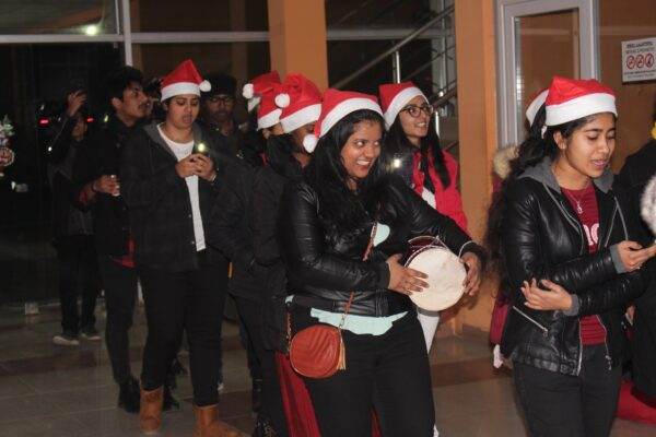 EEU students decorated the Christmas tree